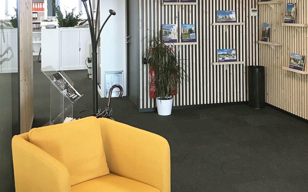 Aménagement professionnel : décoration d'une entrée de bureau